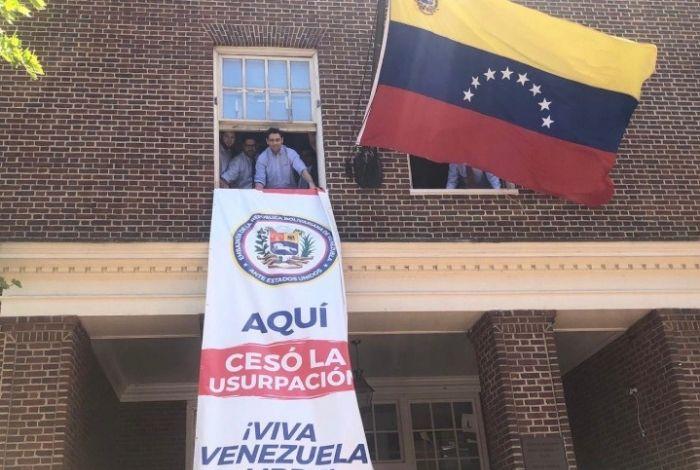 Vecchio tomó control de la Embajada de Venezuela en Washington #24May