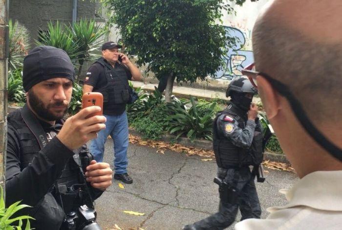 Comisario Iván Simonovis está bien y fuera de Venezuela — Abogado Joel García