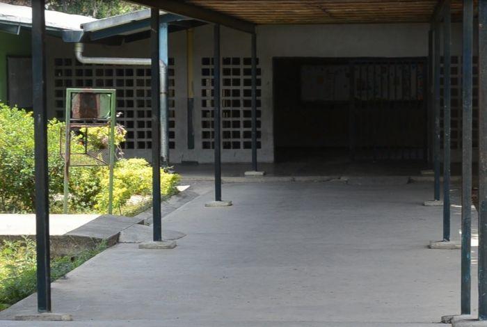 #AvanceIMP Profesores del Liceo Rafael Villavicencio acataron el paro de 72 horas #12Nov - El Impulso