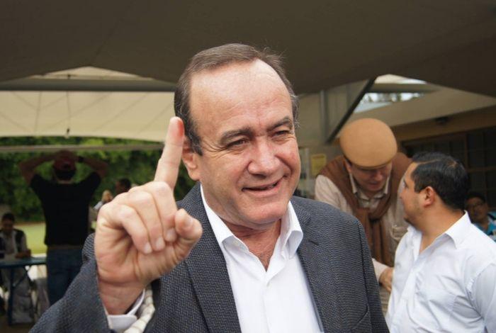 Régimen prohibió al presidente de Guatemala ingresar a Venezuela #12Oct