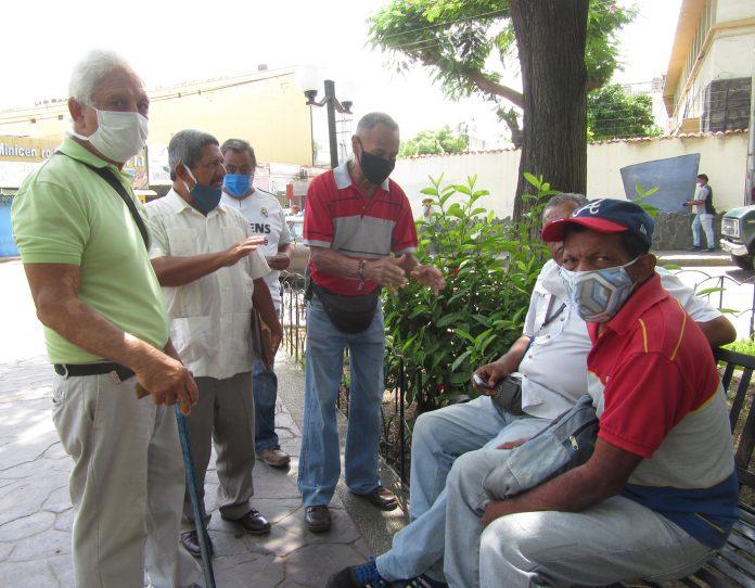 Advierten paralización en recintos médicos por falta de insumos de protección