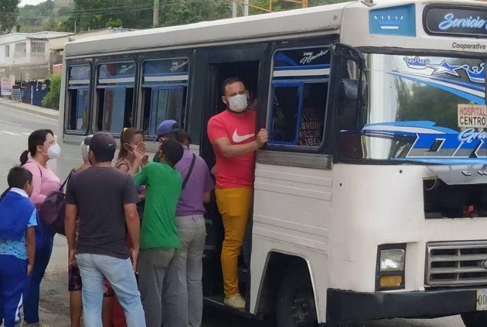▷ #VIDEO Usuarios del transporte público denuncian cobro excesivo del pasaje en Barquisimeto #27Ago